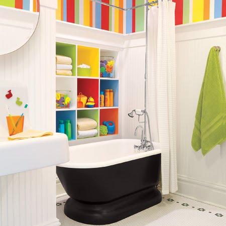 Дизайны и интерьеры детских ванных комнат