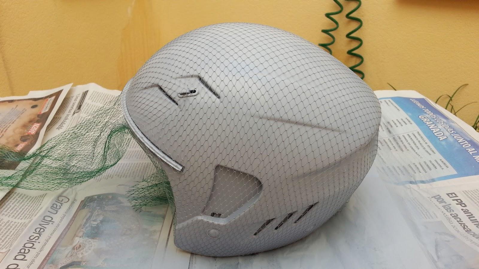 Café Racer Project y otras cosas de motos: Pintando un casco en camo