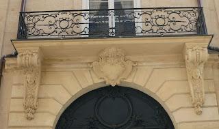 Balcon du 97 rue du Bac à Paris