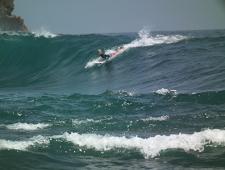 Pantai Watu Karung Pacitan Surga Baru Bagi Peselancar.