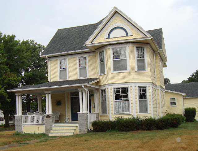 Exterior paint looks more yellow trim color yahoo answers for Exterior yellow house paint