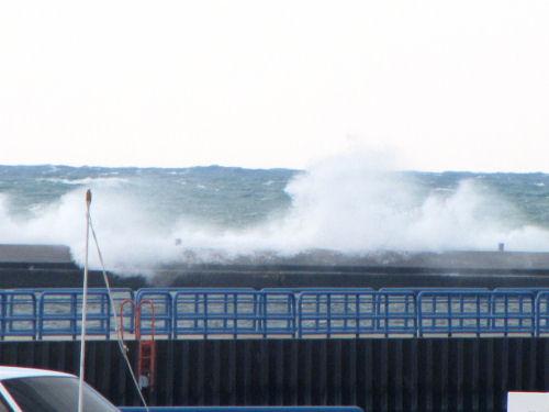 wave on Manistee breakwall