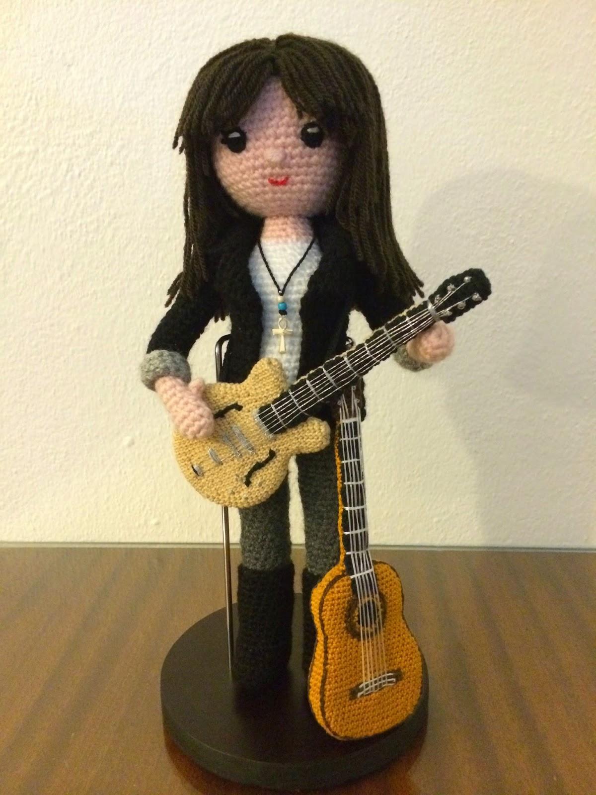 Amigurumi Guitarra Electrica : Tejiendo con Magia