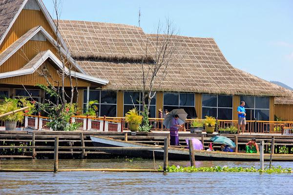 Hotel en el Lago Inle