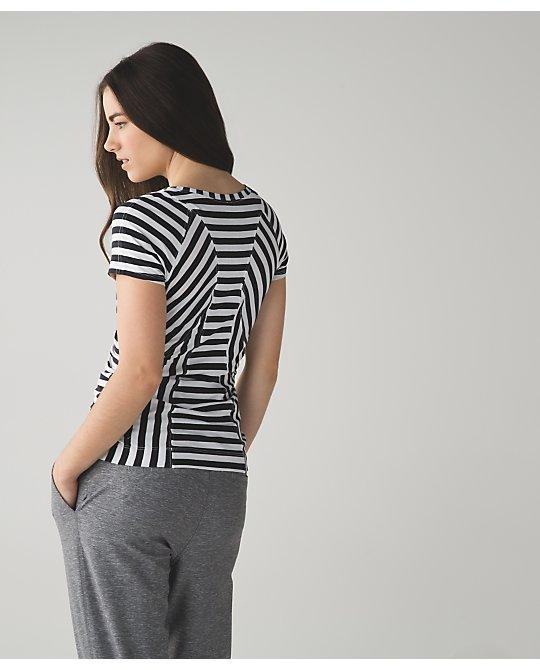 lululemon apex-stripe let-it-be-tee