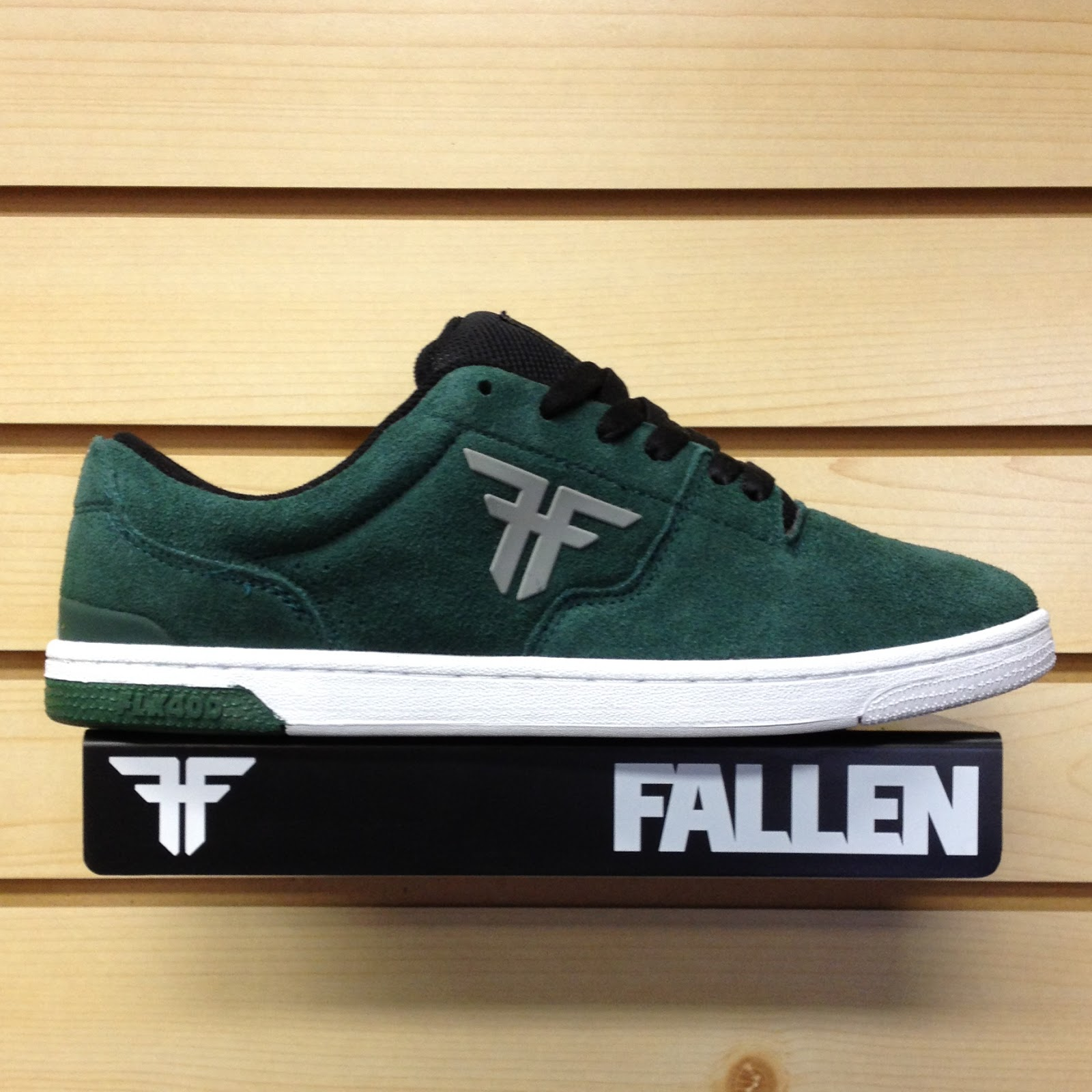 Fallen Shoes THE VIBE NEWSPRINT GRAY/FLAT BLACK SANDOVAL $ $ Fallen. Choose Options. Fallen Shoes THOMAS SPIRIT BLACK/WHITE $ $ Fallen. Choose Options. Fallen Skate Shoes JON DICKSON Roach Newsprint Gray/Psych Green $ $ Fallen. .