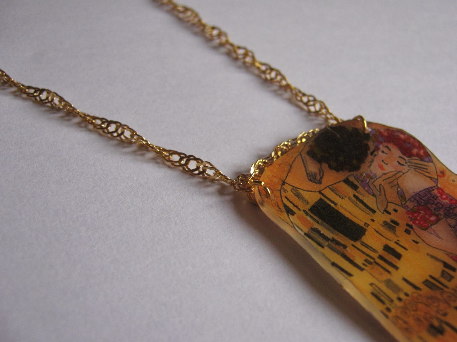 Gustav Klimt - The Kiss necklace DIY