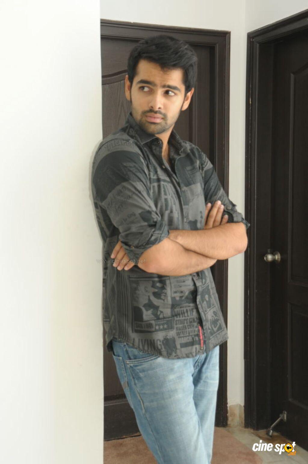 Film Actor Ram Photos Watch Canal Viva Online