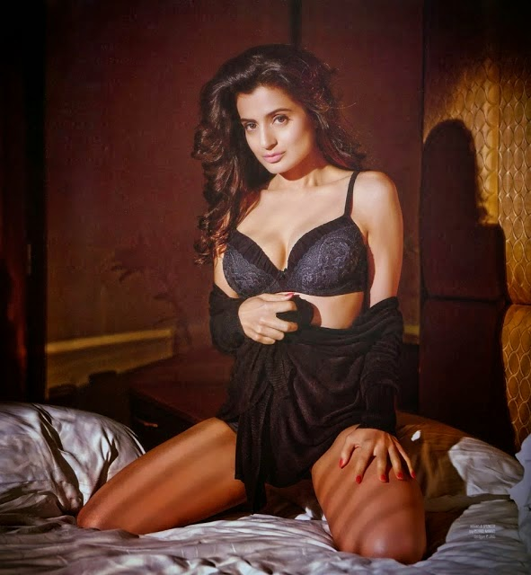 Amisha Patel's Unseen Hot Photoshoot Photos In Black Lingerie
