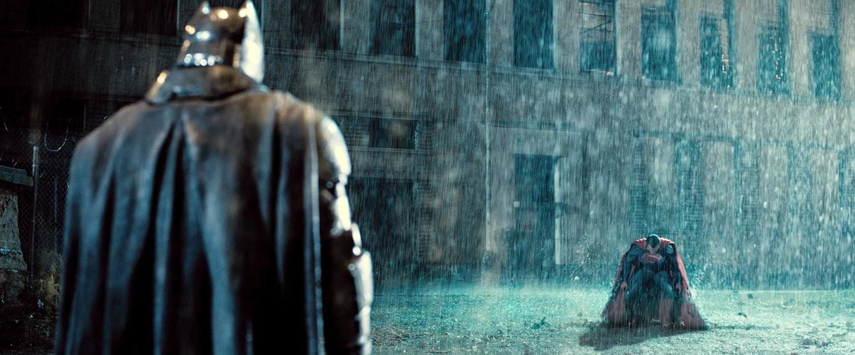 STAR WARS: IL RISVEGLIO DELLA FORZA E BATMAN V SUPERMAN. DUE TRAILER MOLTO ATTESI