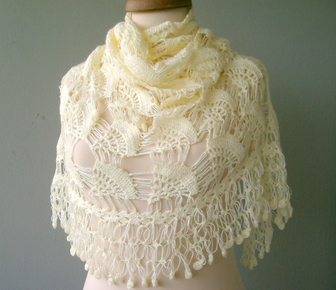 free knitting pattern: 2012 Knitting shawl patterns