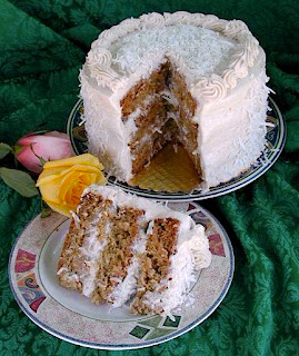 http://www.greenheartbakery.com/2010/03/coconut-macaroon-cake.html