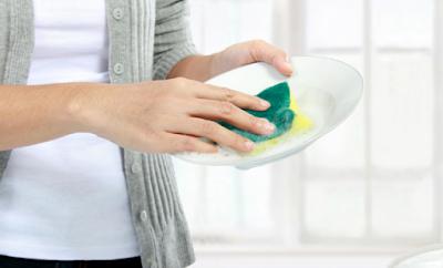 kegiatan ibu rumah tangga sehari hari - Perlunya mencuci buah dan sayuran