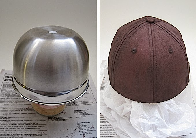 وضع القبعة باناء للحفاظ على شكلها