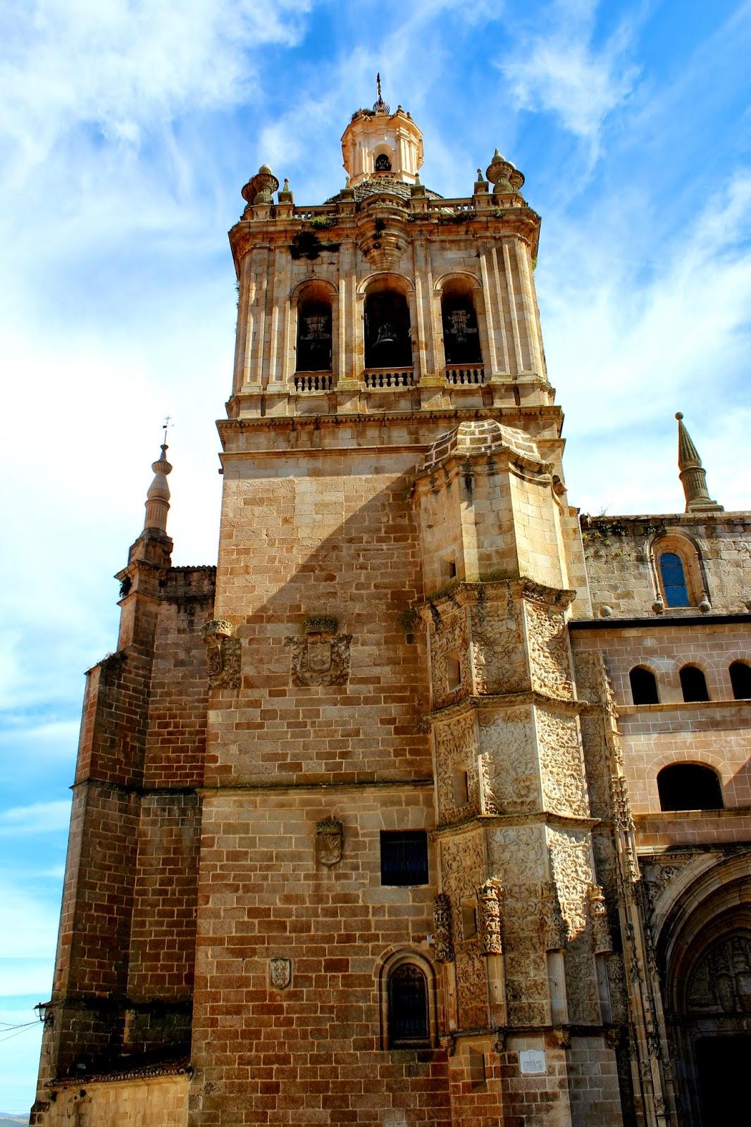 Torre campanario de la catedral de Coria