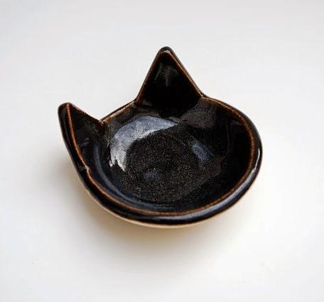 https://www.etsy.com/listing/127925594/black-cat-shaped-bowl-ceramic-pottery?ref=favs_view_7