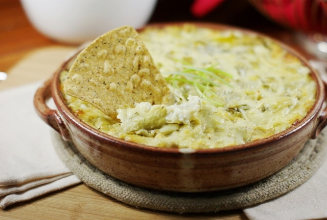 The Kitchen is My Playground: Baked Artichoke Dip with a Kick {& Green ...