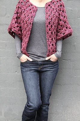 Modern Traditional Granny Square Blanket - Free Crochet