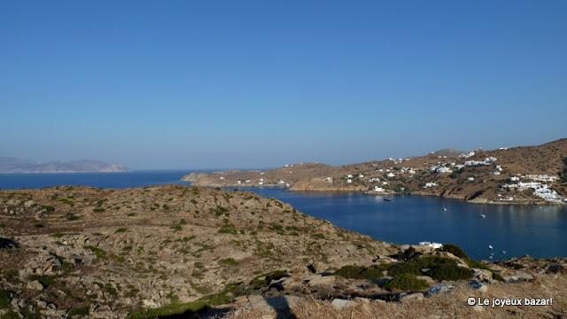 baie de Milopotas à Ios