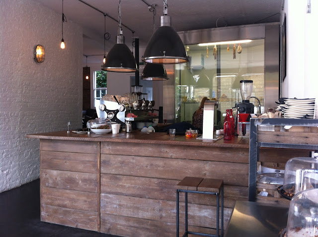 Coffee+Works+Project+review+Angel+Islington+Camden+Passage+coffee+counter