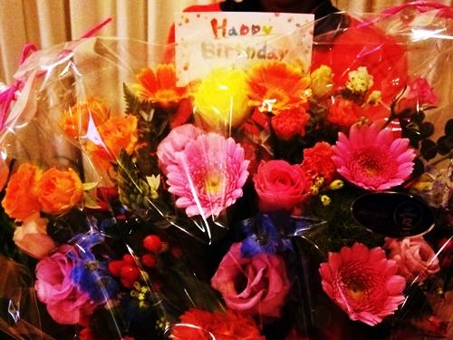 ピンポーンと宅配便。友人からお花が届きました