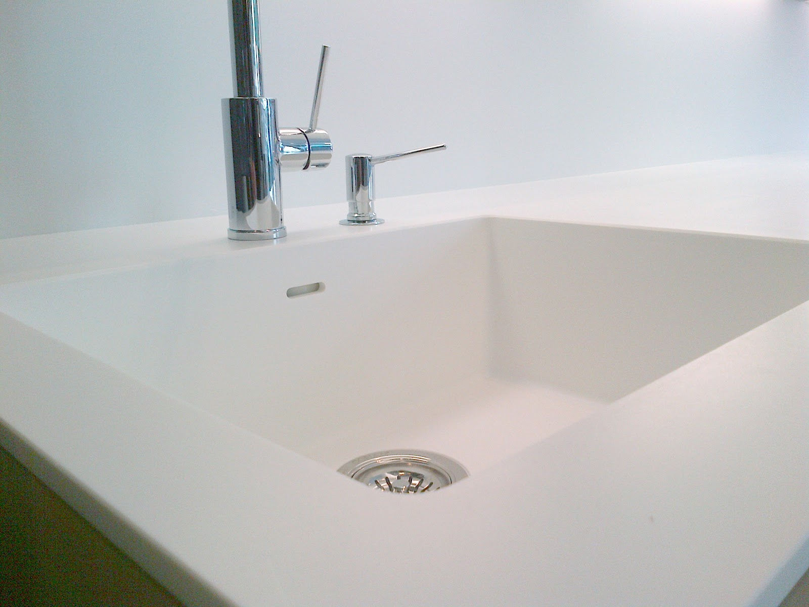 corian es apropiado tanto para verticales como para superficies para mobiliario e iluminacin la lista de
