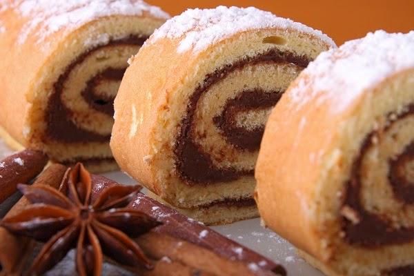 طريقة عمل سويسرول الشوكولاتة والقرفة  Diet swiss roll
