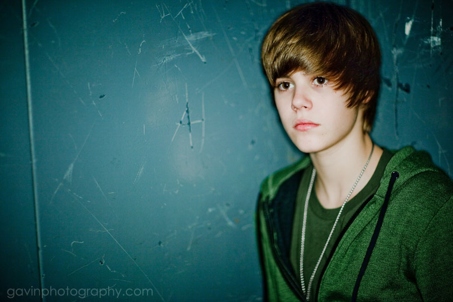 wallpapers of justin bieber. justin bieber 2011 wallpaper