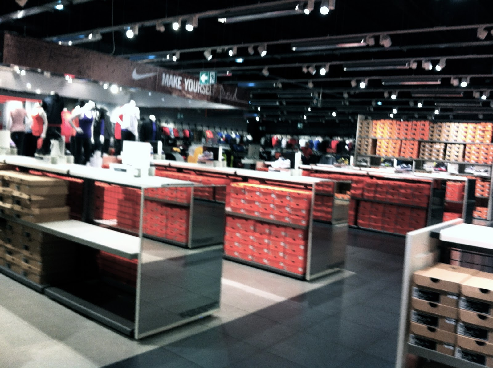 nike store horaires