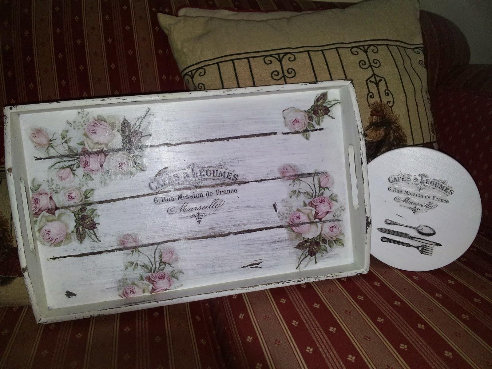 Bandejas con decoupage y transfer isabel vintage for Bandejas de madera decoradas