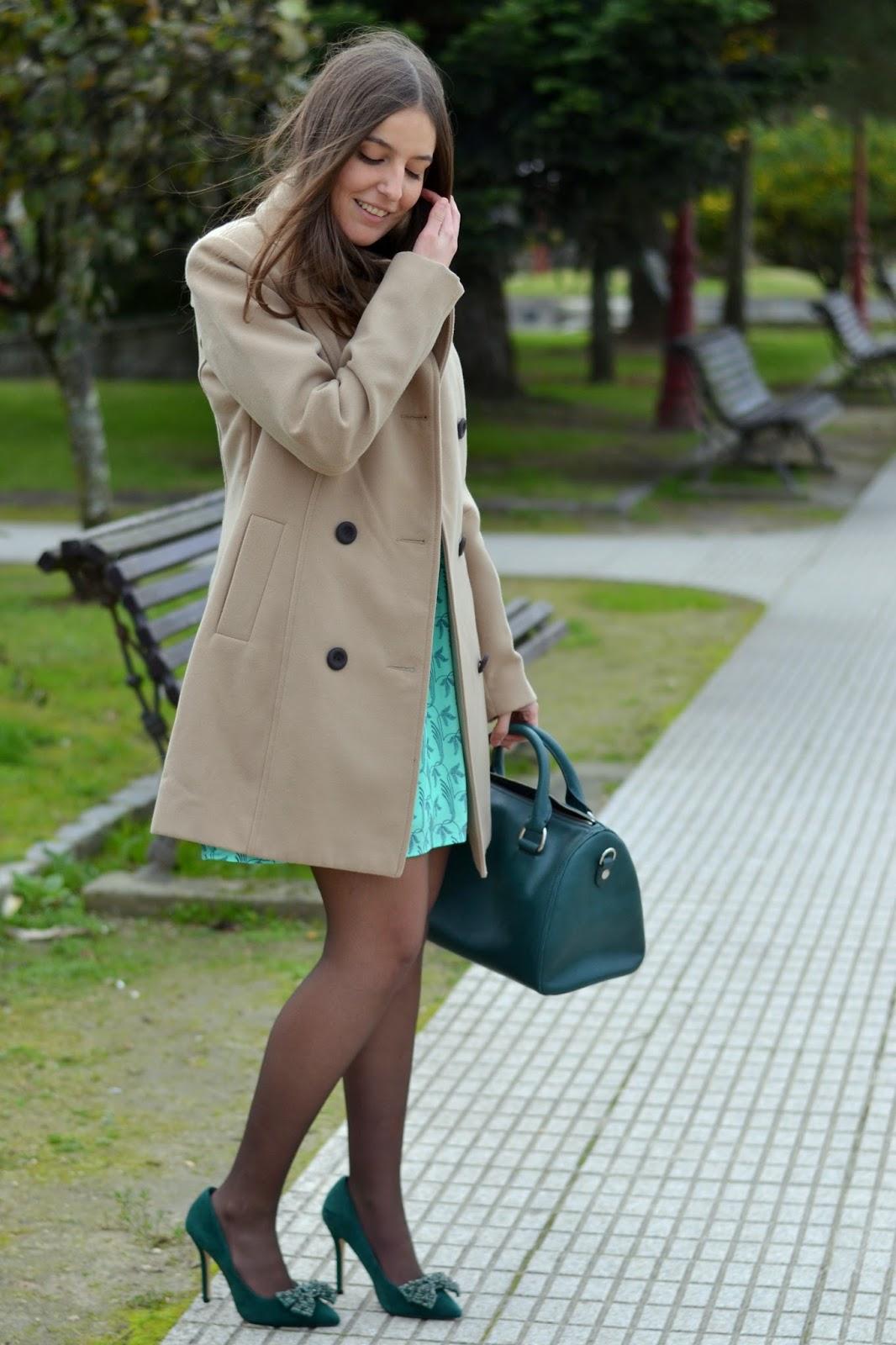 zapatos verdes menbur, bolso esmeralda bimba y lola