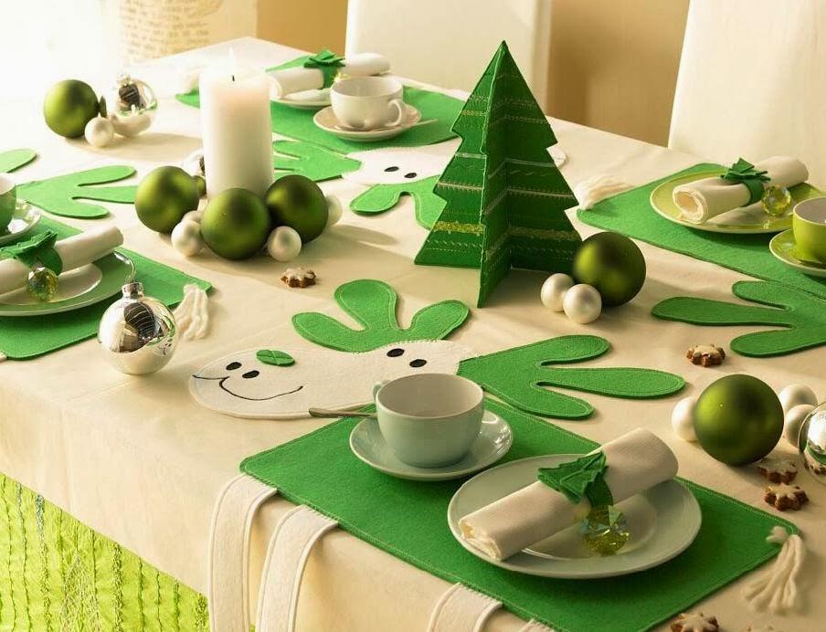 Decoraci n de navidad en verde y blanco colores en casa - Mesa de navidad decorada ...