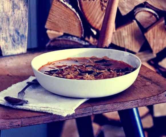 Tunisian-style noodle soup