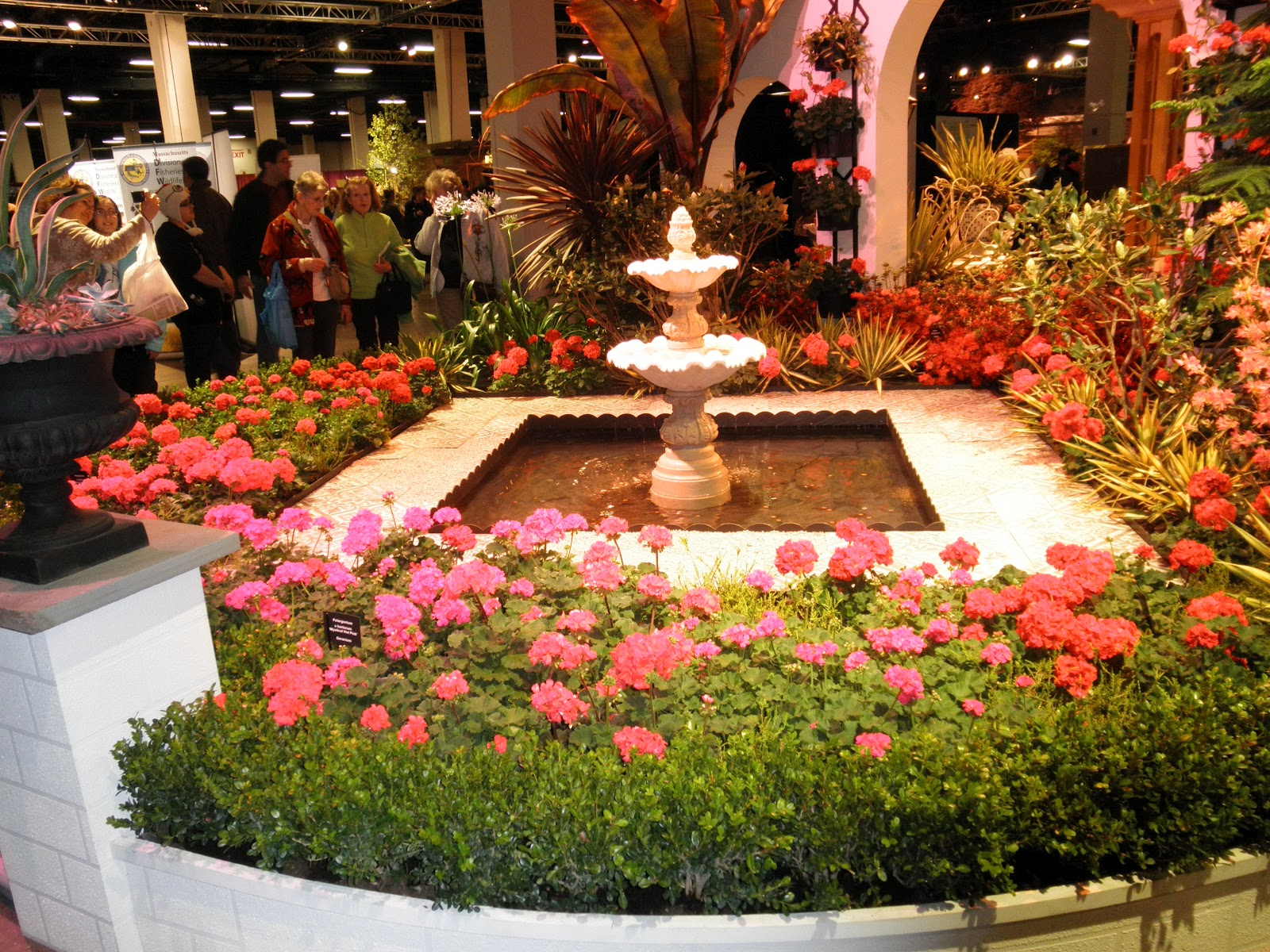 Victoria 39 s gardens boston flower garden show 2012 for Boston flower and garden show 2017