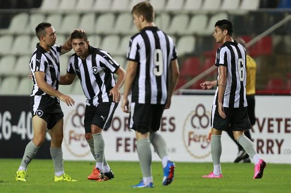 Atuação sofrível em amistoso inaugura o preocupante 2016 do Botafogo