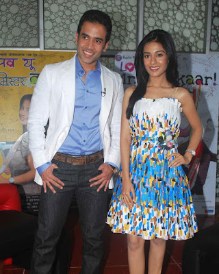 Tusshar Kapoor, Amrita Rao at Love U Mr. Kalakaar Audio Launch