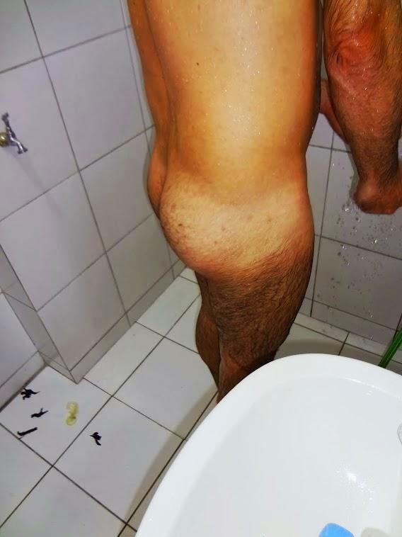 NA FOTO CASEIRA ABAIXO ( É O Caio, tomando banho )