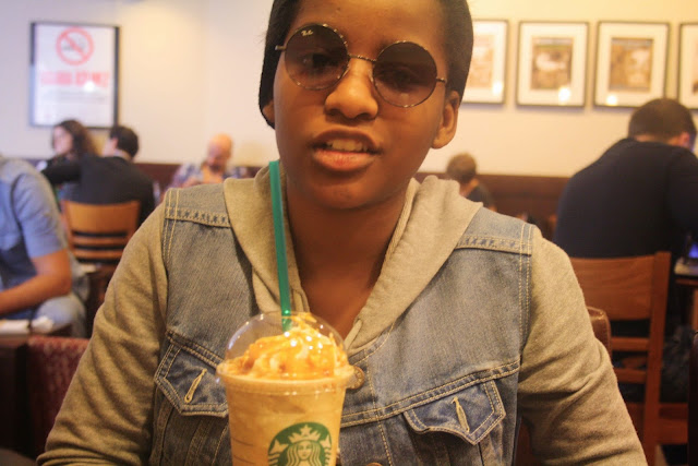 glitter daiquiri, hipster, black girl hipster, tumblr girl, istanbul travel diary, istanbul, osmonbey, starbucks, frappucino, lennon sunglasses, round sunglasses, hipster sunglasses