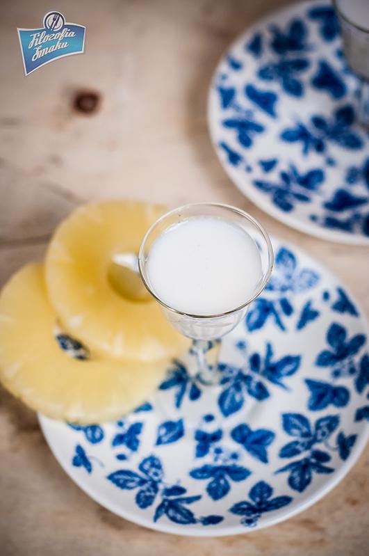 Likier kokosowy z ananasem