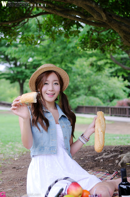 4 Picnic with Han Ji Eun-Very cute asian girl - girlcute4u.blogspot.com