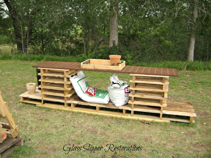 Make a cool pallet potting bench in minutes! By Glass Slipper Restorations featured on I Love That Junk