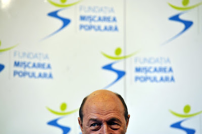 Traian Băsescu, Románia, politika, Népi Mozgalom Párt, miscarea populara