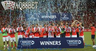 """Liputan Bola - Tim asal kota London, Arsenal menuai hasil bagus di turnamen pramusim Premier League Asia Trophy. """"The Gunners"""" menjadi juara setelah mengalahkan Everton di laga final dengan skor akhir 3-1."""