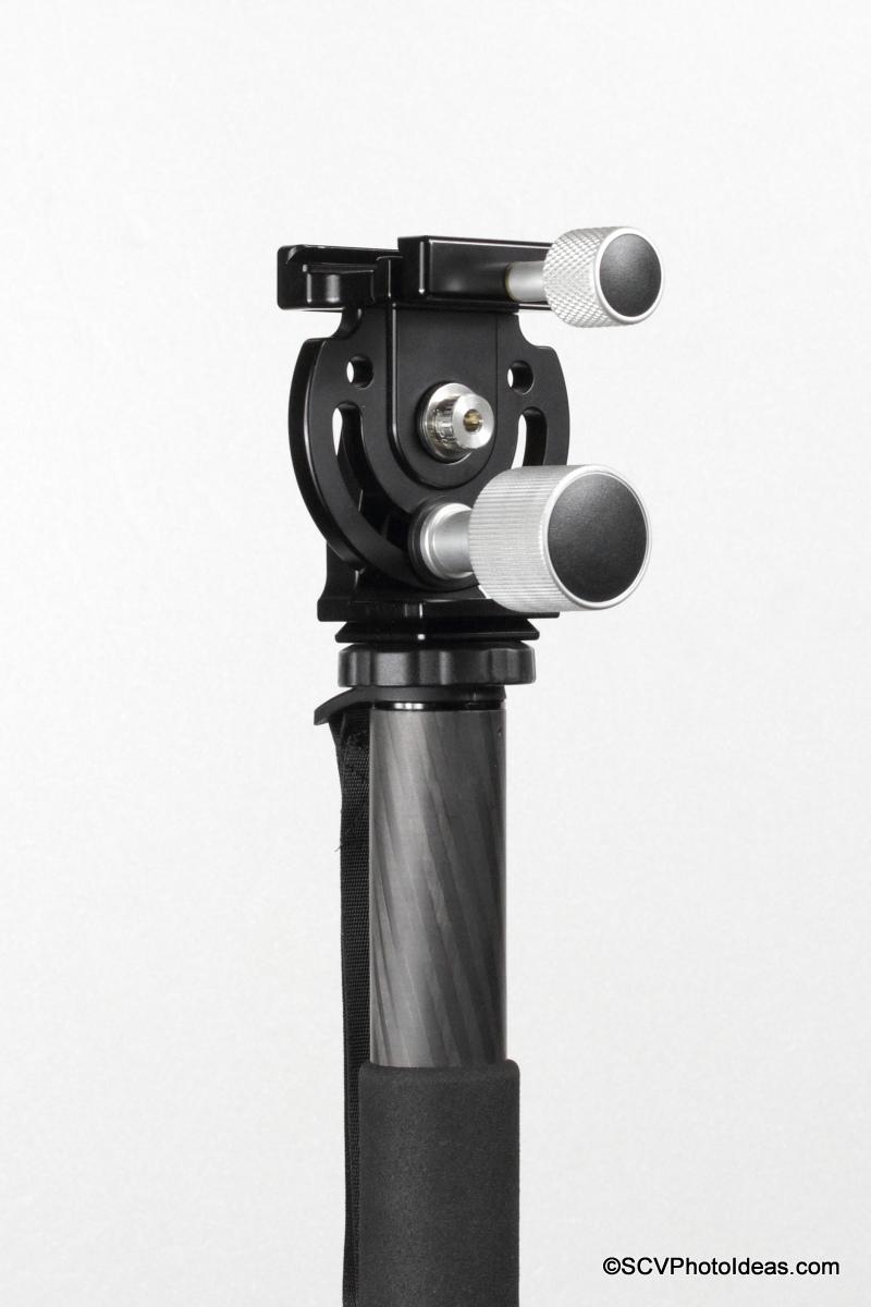 Hejnar Photo MHR1 Head mounted on Triopo GL-70 CF Monopod