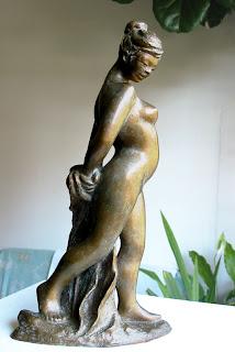Statue style figuratif femme nue debout