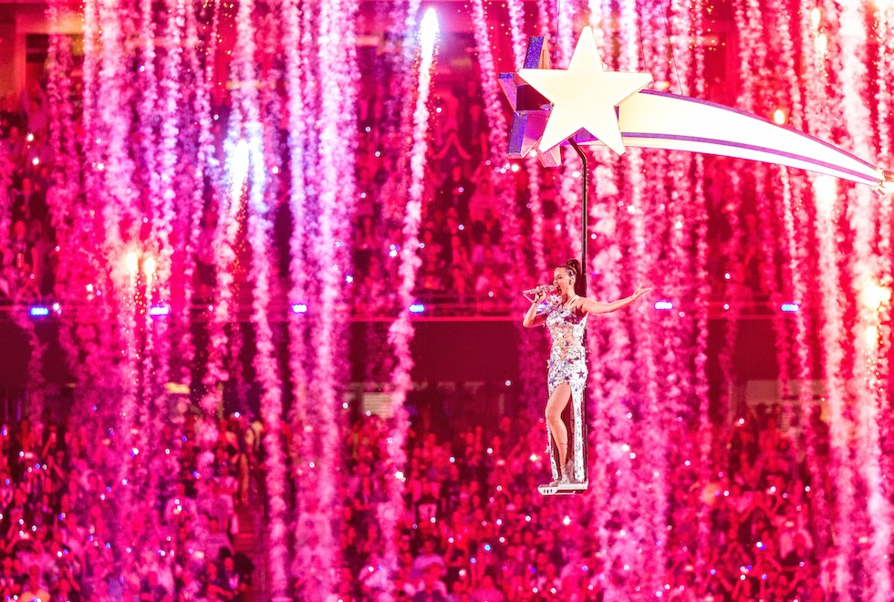 http://www.syriouslyinfashion.com/2015/02/katy-perry-super-bowl-halftime-show-video-watch-hq.html