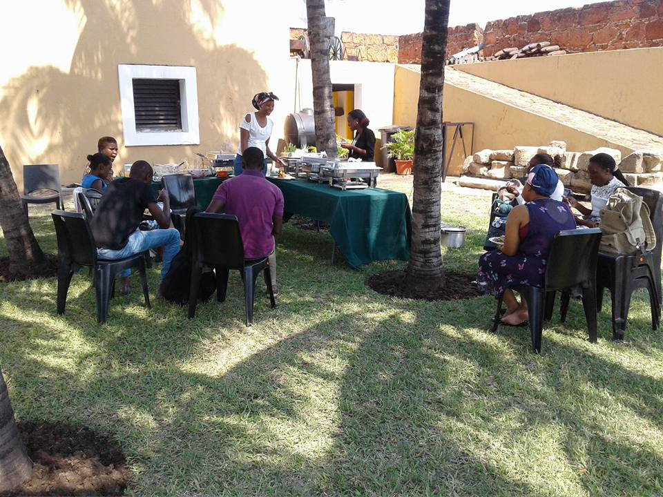 Lunch time - Fortaleza de Maputo