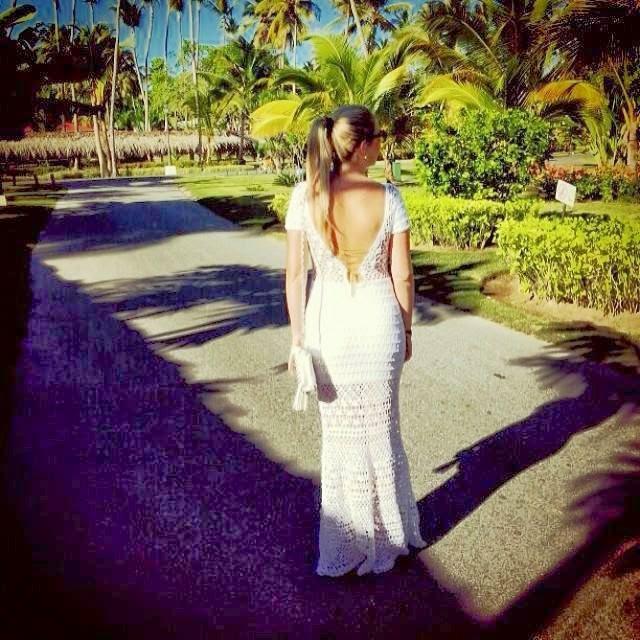 vestido taila costas