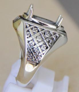 Bentuk Cincin Titanium