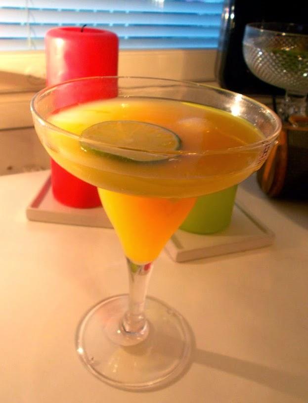Drinkkivinkki: Petollinen Cointreau & Mehu -drinksu